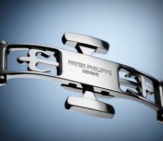Patek Philippe 复杂功能时计 Ref. 4947/1A-001 不锈钢款式 - 艺术的